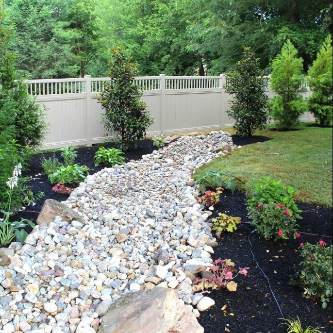 landscaping river rock bed
